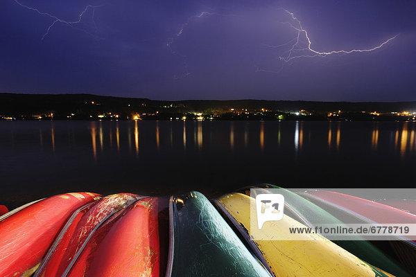 über  See  Kanu  Blitz  Quebec