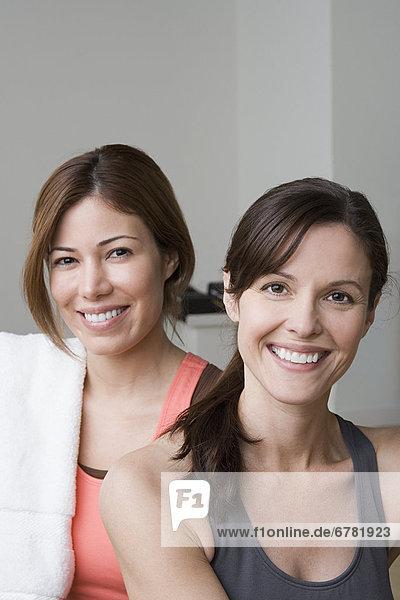 Fitness-Studio  Portrait  Frau  lächeln  2