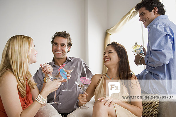 Interior zu Hause Freundschaft Party