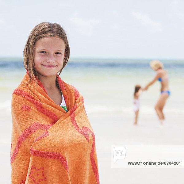 Strand  Handtuch  Mädchen  umwickelt