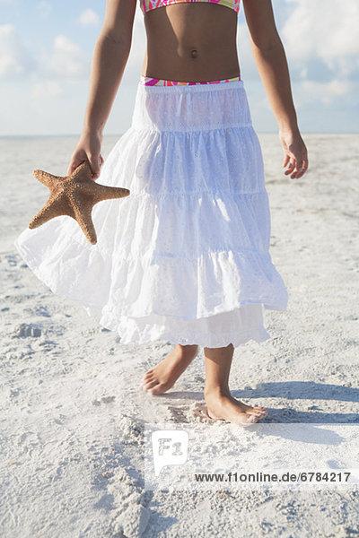 gehen  Strand  Mädchen  Seestern