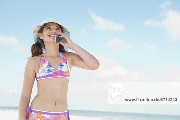 Handy  sprechen  Strand  Bikini  Mädchen