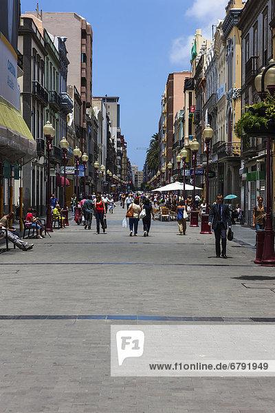 Haupteinkaufsstraße  Calle Tirana  Altstadt Las Palmas  Las Palmas de Gran Canaria  Gran Canaria  Kanarische Inseln  Spanien  Europa