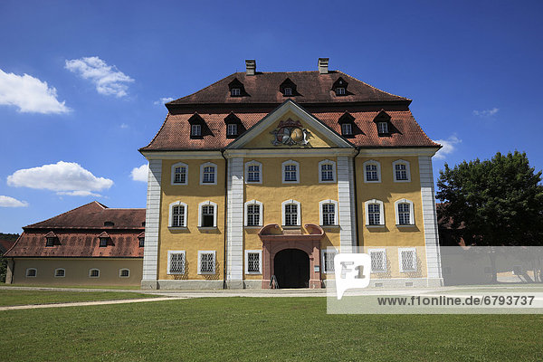 Schloss Theuern  Bergbau- und Industriemuseum  in Theuern  Gemeinde Kümmersbruck  Landkreis Amberg-Sulzbach  Ostbayern  Oberpfalz  Bayern  Deutschland  Europa
