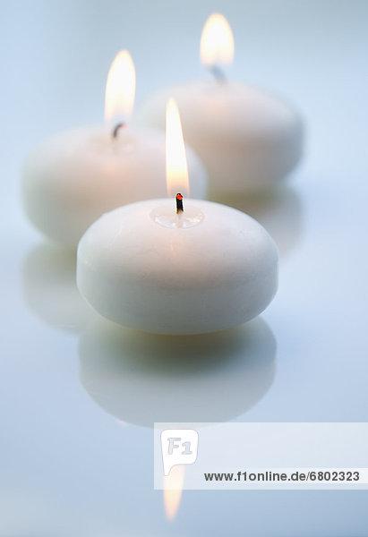 weiß  Kerze  schießen  Studioaufnahme