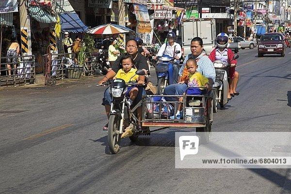 Straße  beschäftigt  Thailand