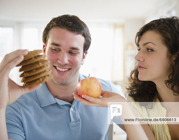 halten  Apfel  Keks