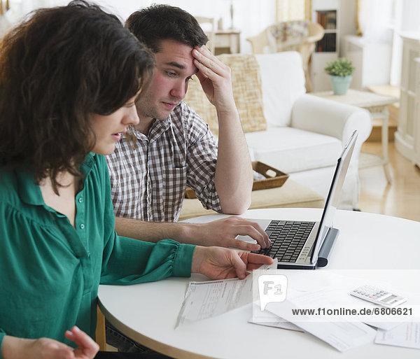 bezahlen  zahlen  Rechnung  Internet