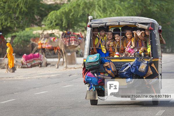 Tasche  klein  fahren  Omnibus  befestigen