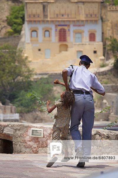Straße  ziehen  Offizier  Polizei