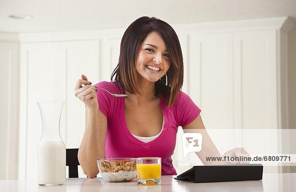 Frau  Vorbereitung  jung  Frühstück
