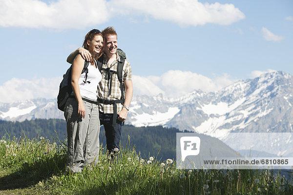 stehend  wandern  Alpen  Wiese  Leysin  Schweiz