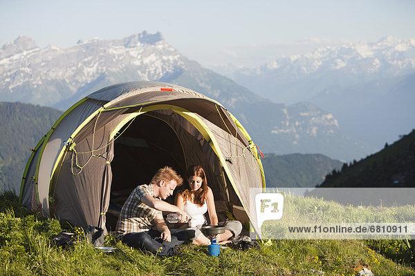 Vorbereitung  Berg  wandern  Wiese  Frühstück  Leysin  Schweiz