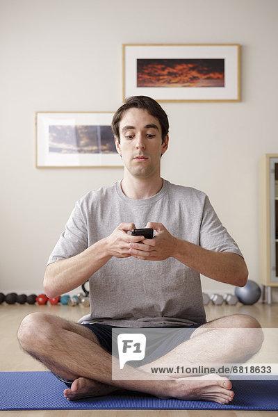 Mann  Meditation  jung