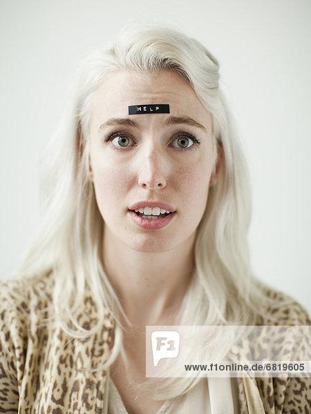 Portrait  Frau  Wort  jung  Hilfe