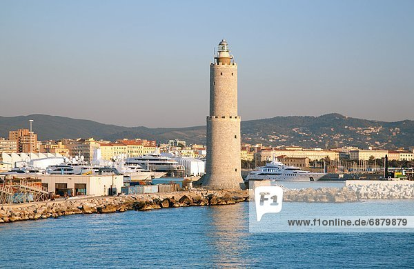 zeigen  Europa  Leuchtturm  Ansicht  Schiffswerft  Italien  Livorno  Toskana
