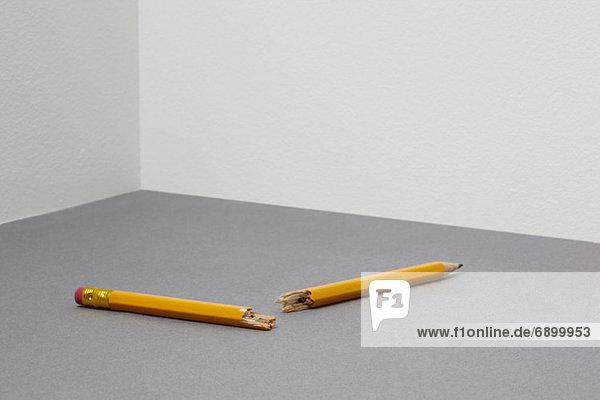 Gebrochener Bleistift