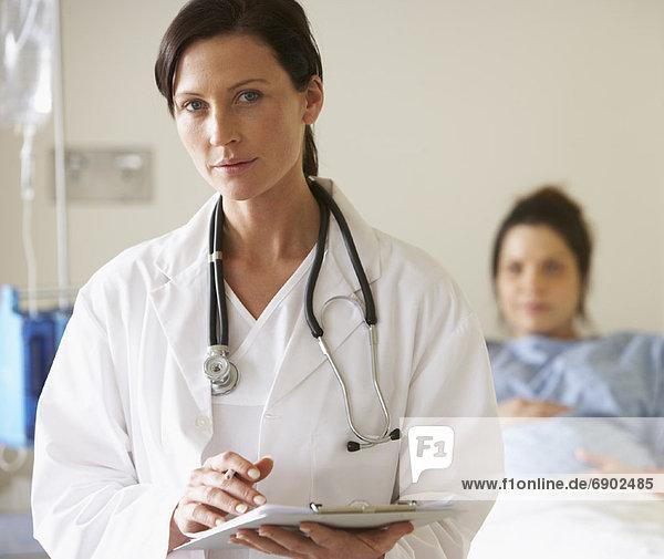 Arzt mit Patienten