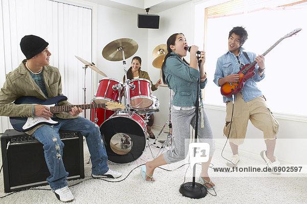 Zimmer  Wohnzimmer  spielen