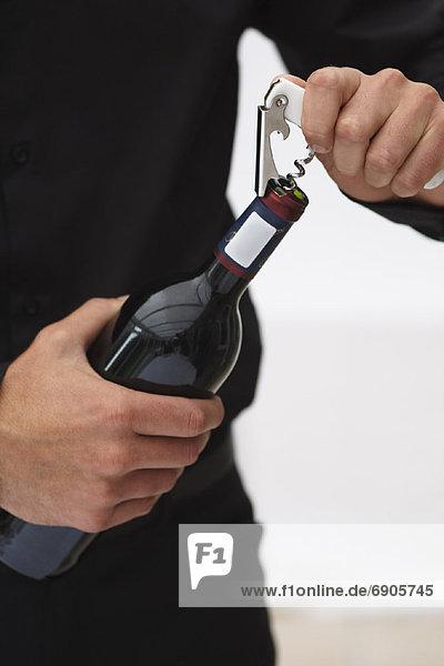 aufmachen Mann Wein Flasche