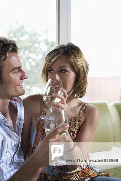 Zusammenhalt  Wein  trinken