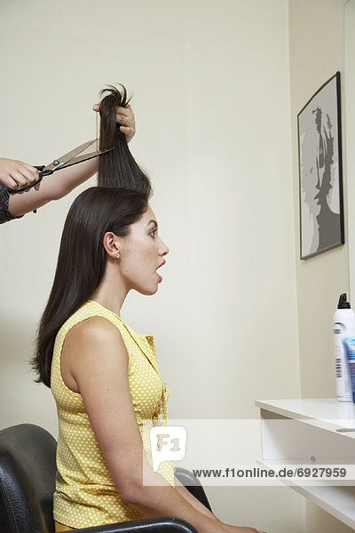 Frau  Frisur  Frisuren  Schnitt  Schnitte  Haarschnitt  Haarschnitte  bekommen  Haar