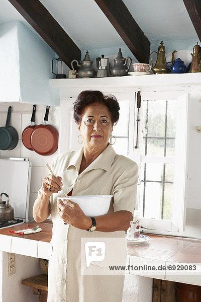 Frau  Küche  mischen Frau ,Küche ,mischen