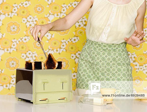 Frau  entfernen  entfernt  verbrannt  Toastbrot  Toaster Frau ,entfernen, entfernt ,verbrannt ,Toastbrot ,Toaster