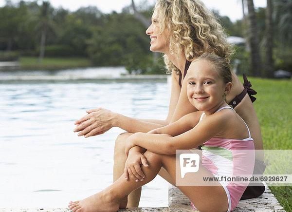 sitzend Tochter Seitenansicht Mutter - Mensch