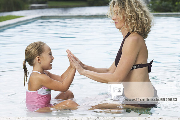 Schwimmbad Tochter Mutter - Mensch spielen