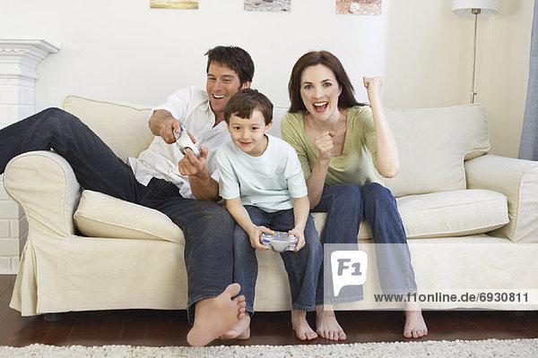 Menschlicher Vater  Sohn  Spiel  Camcorder  Mutter - Mensch  spielen