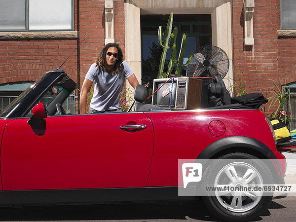 Portrait Mann Auto Eigentum voll