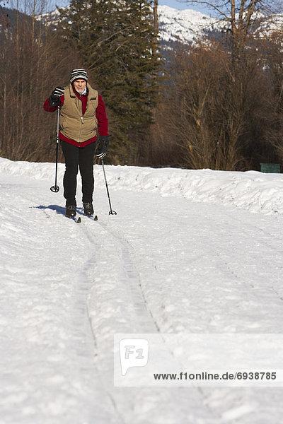 Mann Skifahren