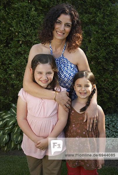Porträt von Mutter und Töchter