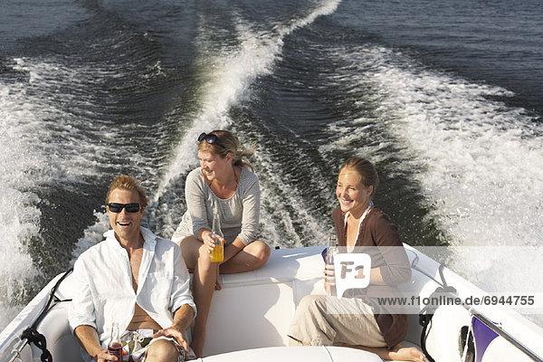 Freunde auf Boot