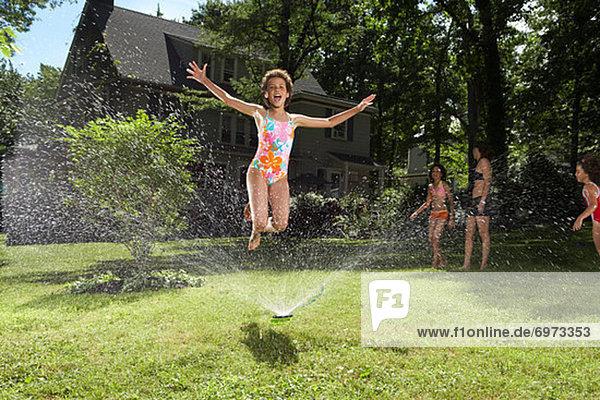 Rasensprenger Garten Hinterhof spielen