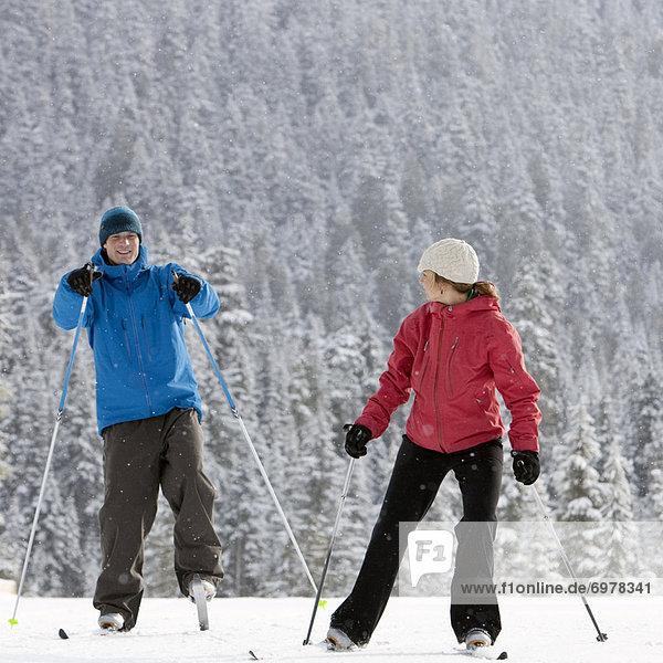 hoch  oben  nahe  überqueren  Skisport  British Columbia  Kanada  Kreuz