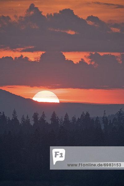 Berg , Sonnenuntergang , über