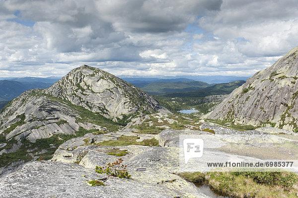 Hochfjell  Fjell  Felsen aus Granit  Berg Vestre Roholtsfjell (1018 m)  bei VrÂdal  Vradal  Telemark  Norwegen  Skandinavien  Nordeuropa  Europa