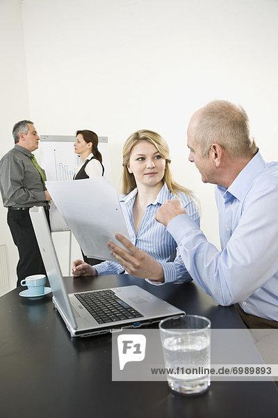 Mensch  Büro  Menschen  Menschengruppe  Menschengruppen  Gruppe  Gruppen  Business