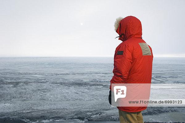 Mann  Rückansicht  Anorak  Ansicht  Antarktis