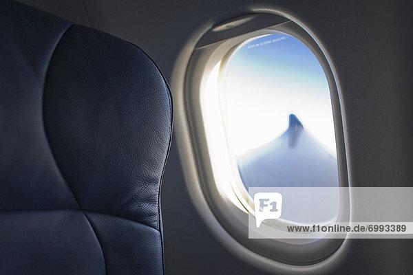 Blick vom Flugzeug Fenster Blick vom Flugzeug Fenster
