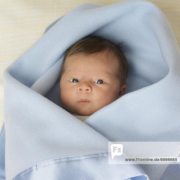 hoch  oben  Neugeborenes  neugeboren  Neugeborene  sehen  Decke  Verpackung  umwickelt hoch, oben ,Neugeborenes, neugeboren, Neugeborene ,sehen ,Decke ,Verpackung ,umwickelt