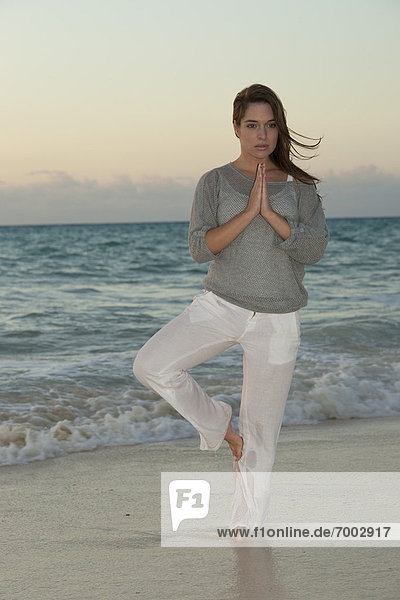 Woman  Reef Playacar Resort and Spa Hotel  Playa del Carmen  Quintana Roo  Yucatan Peninsula  Mexico