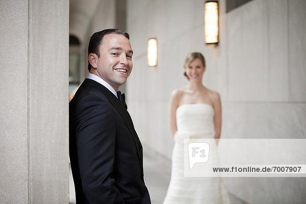 Portrait  Braut  Bräutigam  Hintergrund