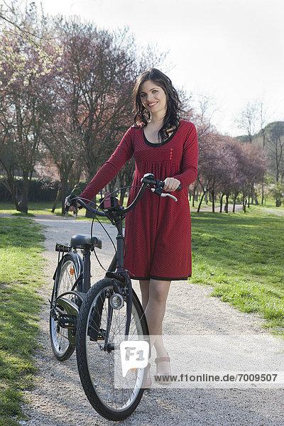Frau  Fahrrad  Rad