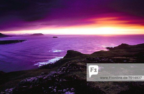 Sonnenuntergang  über  Meerlandschaft