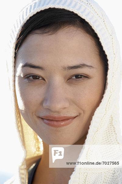 Portrait  Frau  jung  Kleidung  Kapuze