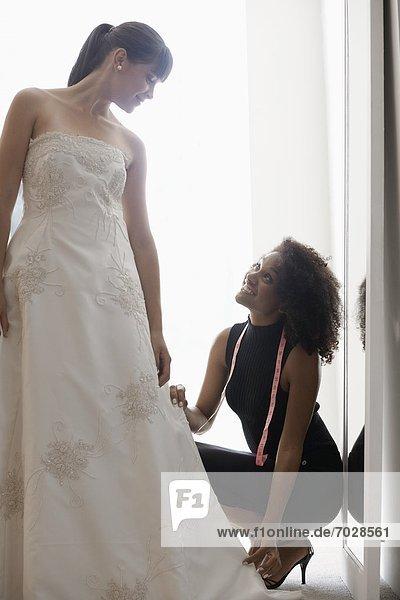 Frau  Hochzeit  berichtigen  Kleid