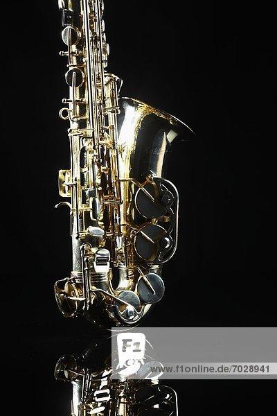 Single saxophone